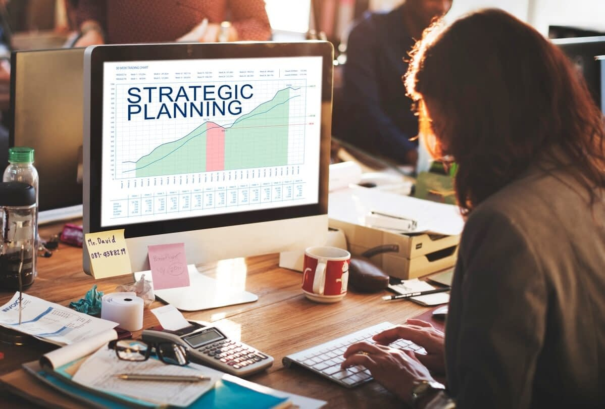 Strategic plan graphs business marketing goals P8KLT5K